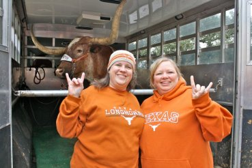 11/26/2010: Posing for our tailgate crew before the aggy game, DKR