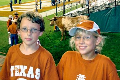 Sometime in 2007: Ryan and Katie pose with the Big Guy, DKR